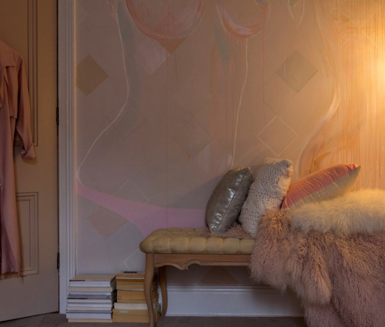 fashion-topless-bedroom-mural-camillejaval-18