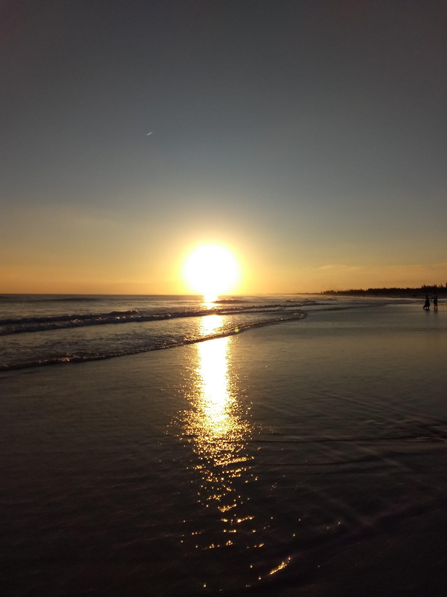 por-do-sol-praia-grande-arraial-d-cabo